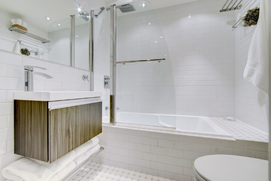 bathroom renovation general contractor